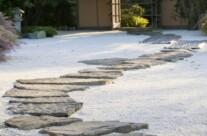 14.kameny v písku – inspirace japonskými zahradami