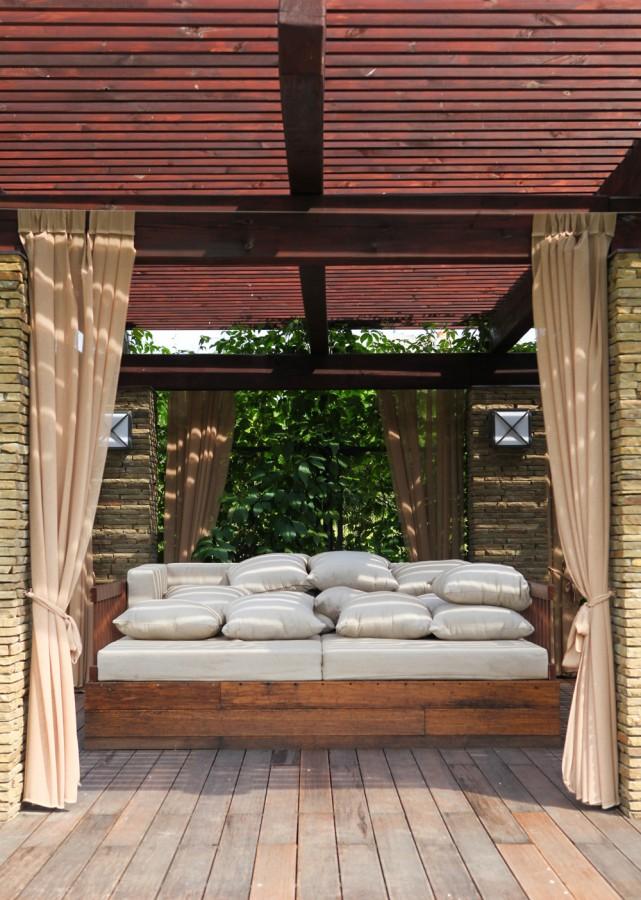 2.kryté zahradní posezení